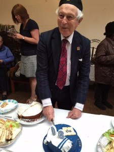 rudi cutting cake 90th